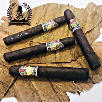 Cigar American In Nicaragua