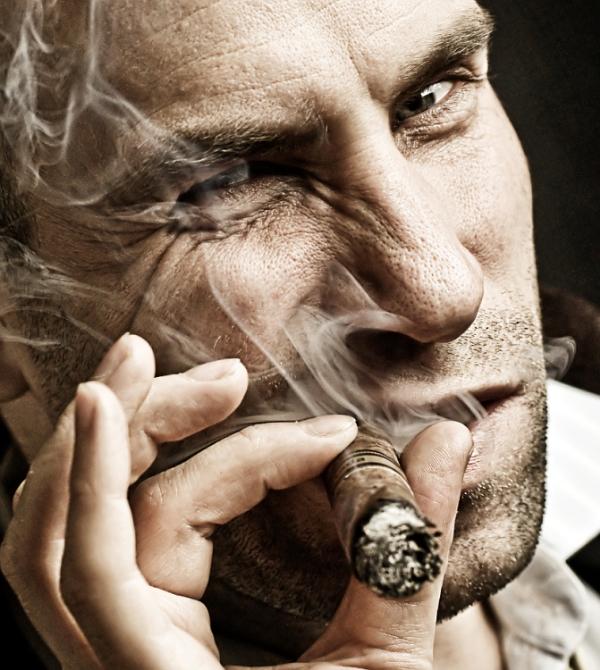 nhung lam tuong trong cach hut cigar