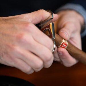 Cách cắt xì gà